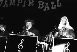 Joe Schwarz Orchester auf dem Ball der Vampire in der Stadthalle Heidelberg.